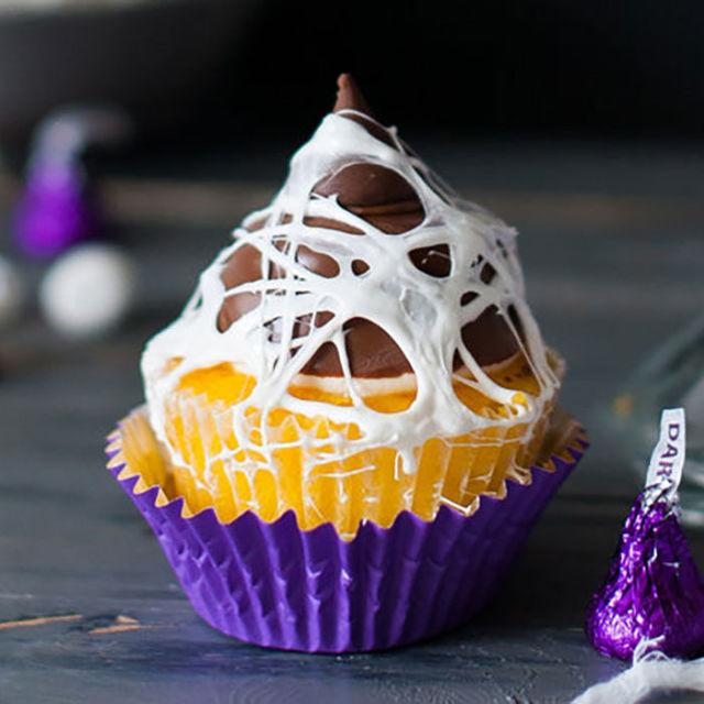 13 easy halloween cupcakes you can make at home for Easy halloween cakes to make at home