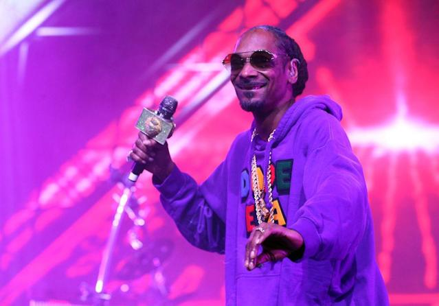 <p>The laid-back rapper was a surprise guest during Jamiroquai's show on April 13. (Photo: Rich Fury/Getty Images for Coachella) </p>