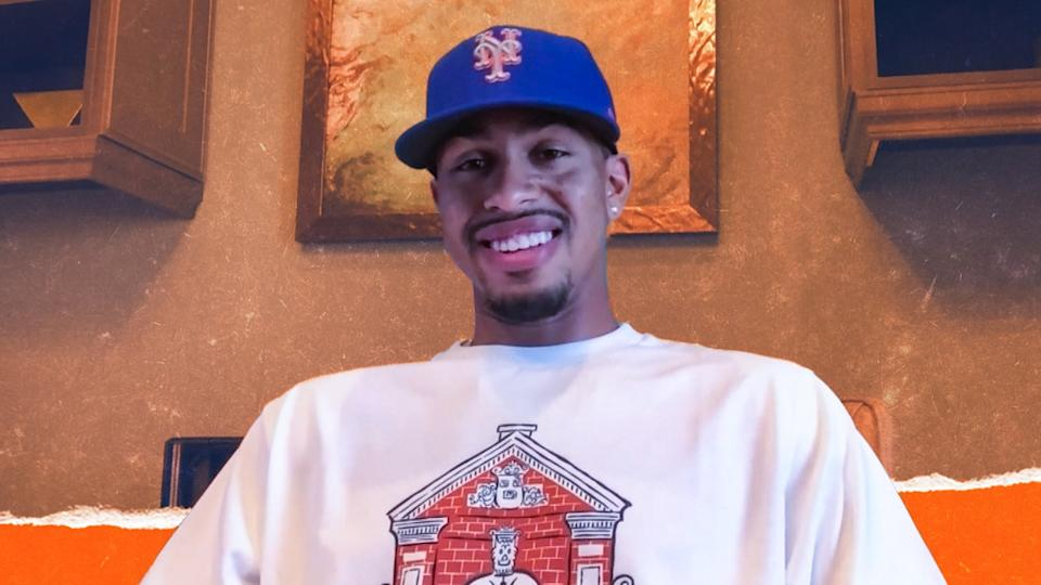 Francisco Lindor treated image intro news conference Mets hat