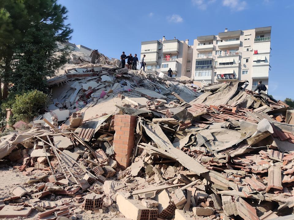IZMIR, TURKEY - OCTOBER 30: A view of a quake damaged site after a magnitude 6.6 quake shook Turkey's Aegean Sea coast, in Izmir, Turkey on October 30, 2020. (Photo by Mehmet Emin Menguarslan/Anadolu Agency via Getty Images)