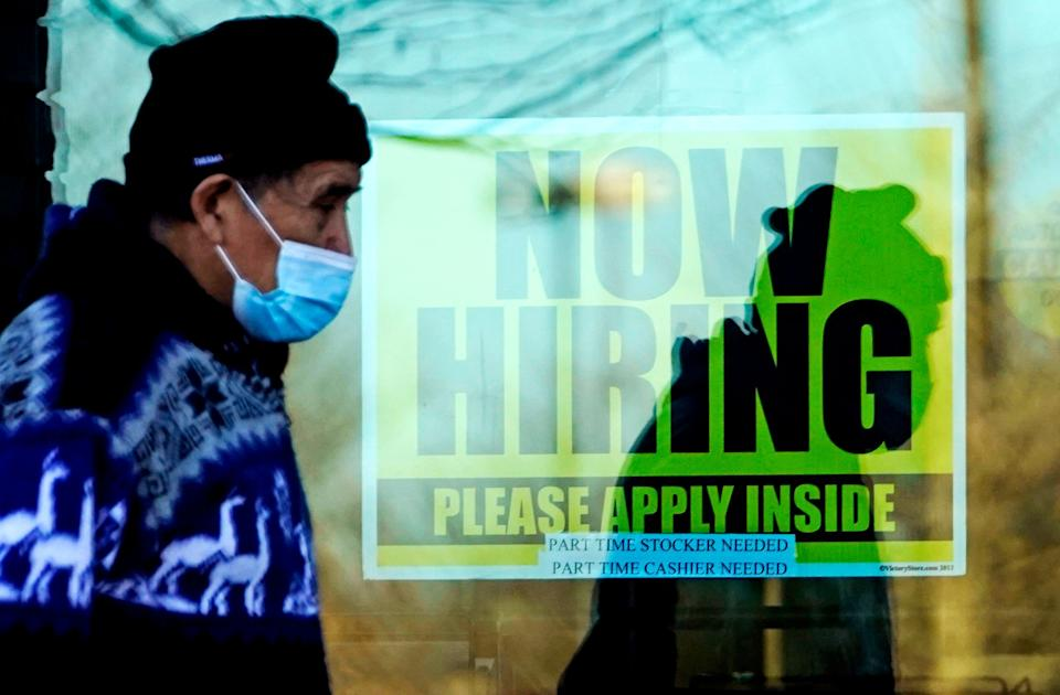 A store displaying a hiring sign in Wheeling, Illinois. (Photo: Nam Y. Huh/AP)