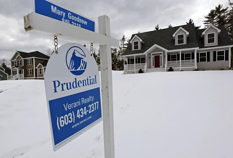 US home prices dip for second straight month