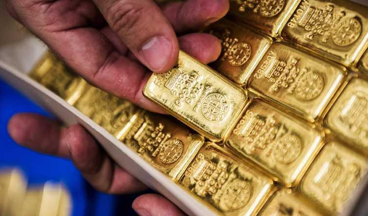 Gold firms up on jewellers' buying