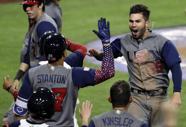 Fans are lining up to see Eric Hosmer and Team USA. (AP Photo)