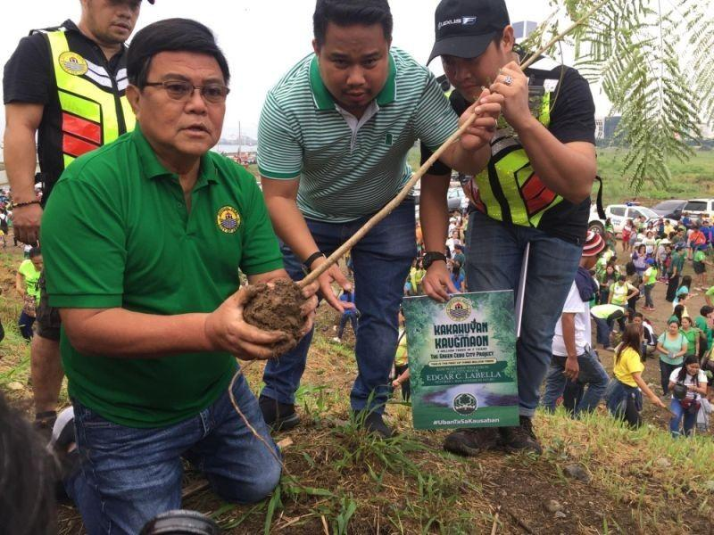 Cenro to plant 2,000 mangroves in SRP