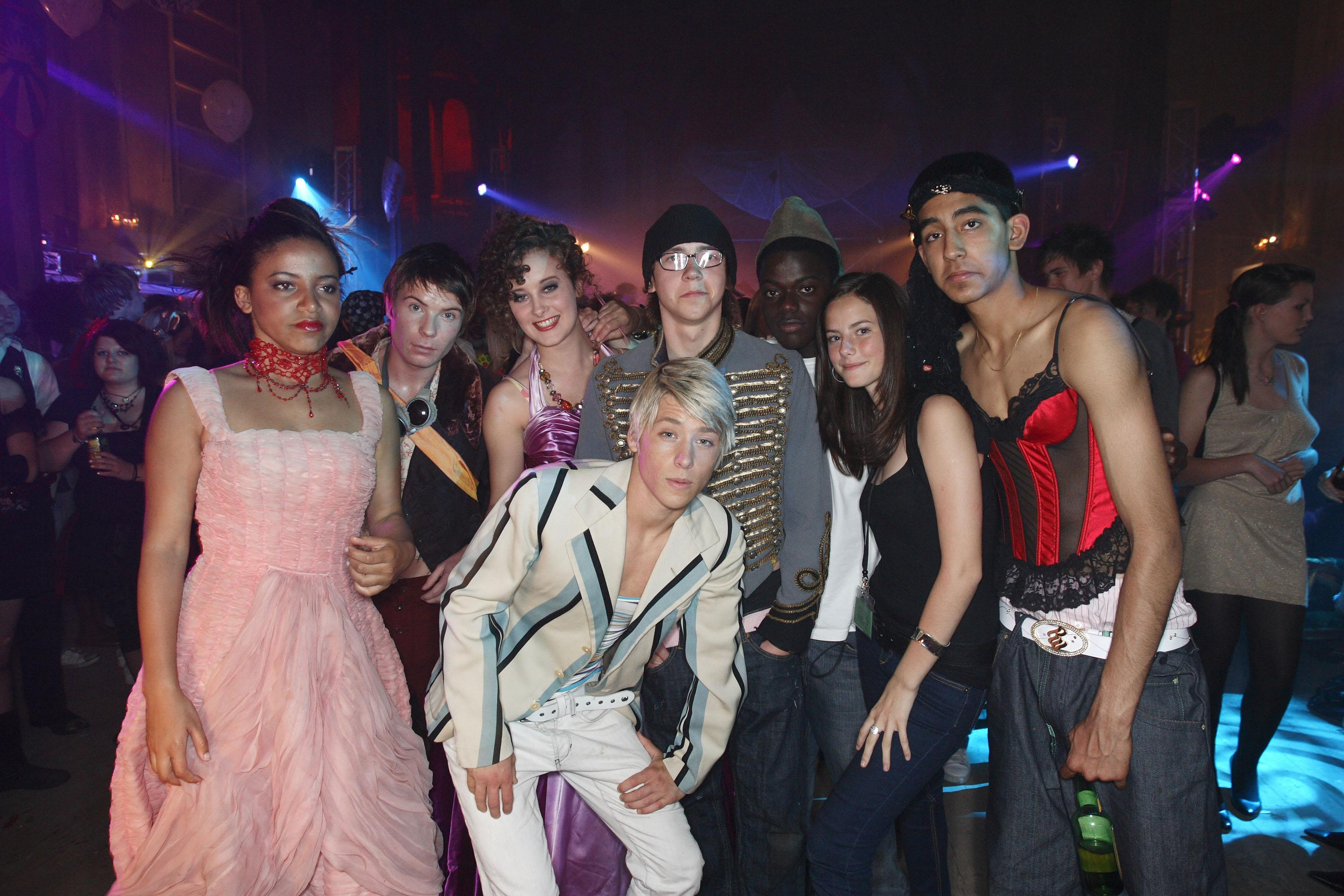 BRISTOL, UNITED KINGDOM - AUGUST 02: Larissa Wilson, Joseph Dempsie, April Pearson, Mitch Hewer, Mike Bailey, Kaya Scodelario and Dev Patel attend the Channel 4/ E4 party for a one-off Skins special on August 2, 2007 in Bristol (Gloucestershire), England. (Photo by Mike Marsland/WireImage)