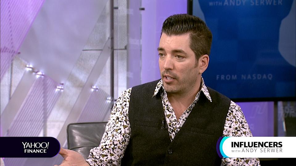 """Jonathan Scott, a co-host of HGTV's """"Property Brothers,"""" appears on Influencers with Andy Serwer."""