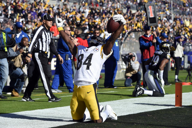 Antonio Brown is a mainstay in lineups, but his matchup this week makes his DFS price unfriendly. (AP Photo/Gail Burton)
