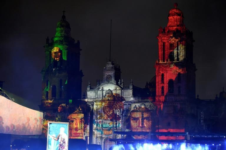 Portraits of independence heroes were projected onto Mexico City's Metropolitan Cathedral (AFP/ALFREDO ESTRELLA)