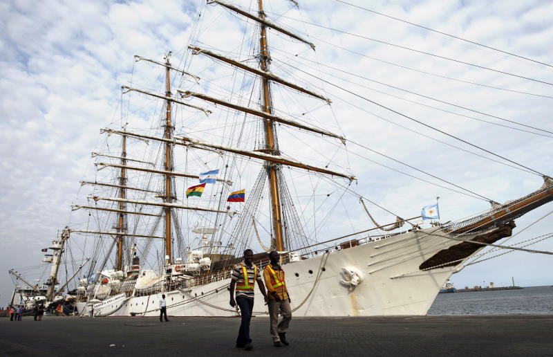 Argentine crew prevents Ghana from moving ship