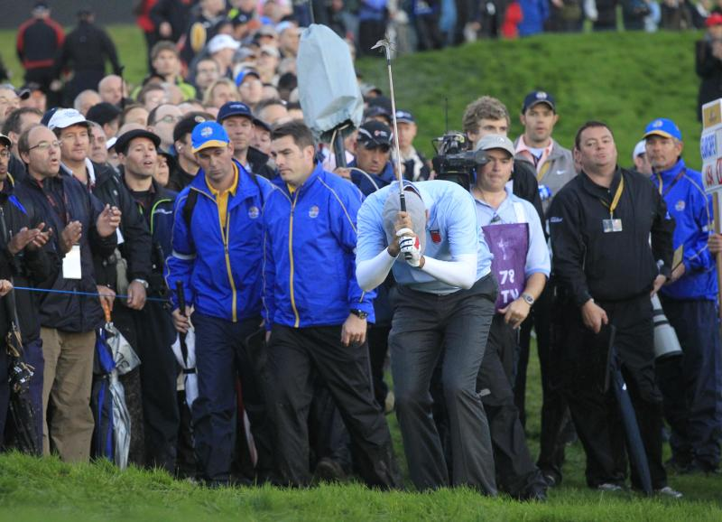Stewart Cink of the U.S. reacts during the 2010 Ryder Cup golf tournament at the Celtic Manor golf course in Newport, Wales, Friday, Oct.  1, 2010. (AP Photo/Peter Morrison)