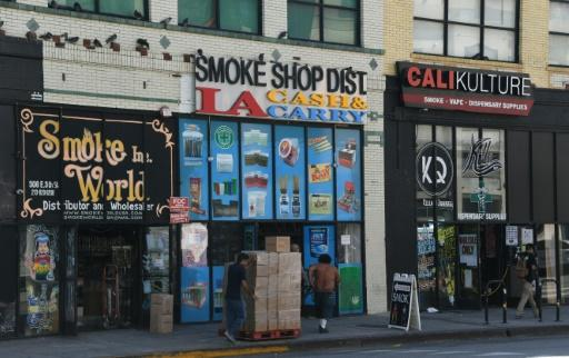New US regulations allow flavored e-cigarette to be sold in stores only, and not online