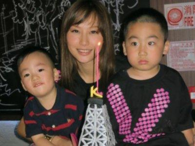 Kate Tsui's 33th birthday party with 100 fans