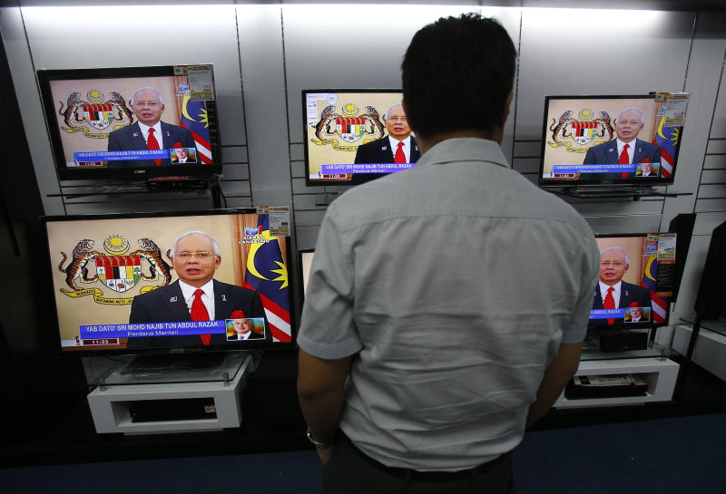 Malaysia PM dissolves Parliament to hold elections