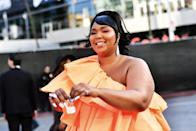 """<p>The """"Truth Hurts"""" singer showed off her fabulous accessories.</p>"""