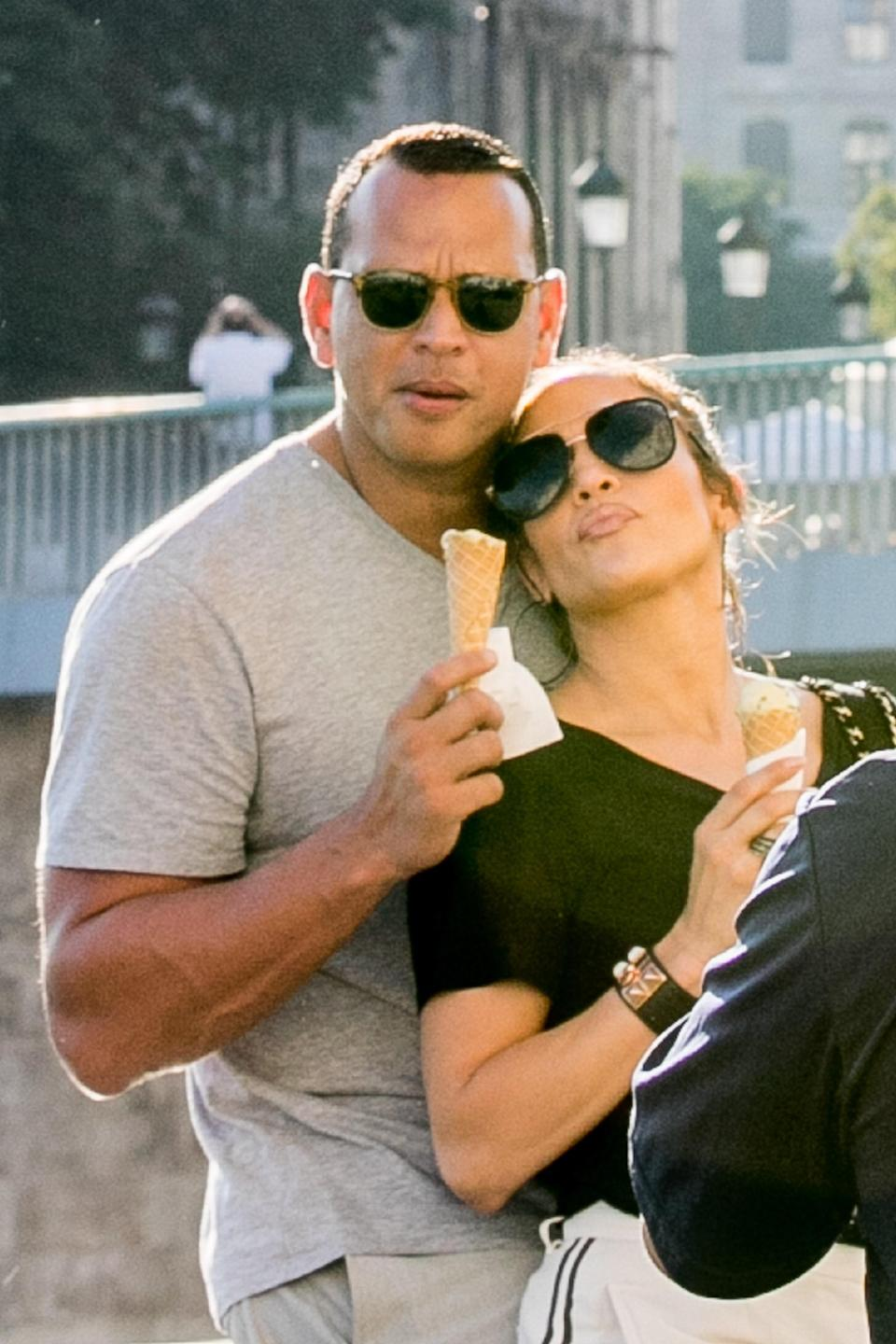 "<h1 class=""title"">Jennifer Lopez and Alex Rodriguez Sighting In Paris</h1><cite class=""credit"">Marc Piasecki/Getty Images</cite>"