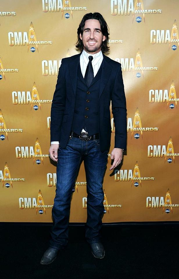 """Tell Me"" crooner Jake Owen was business on the top and party on the bottom in his disjointed getup. Larry Busacca/<a href=""http://www.gettyimages.com/"" target=""new"">GettyImages.com</a> - November 10, 2010"