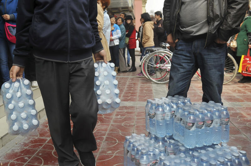 Oil pipe leak blamed for tainted water in china for Leaky pipe carries more water