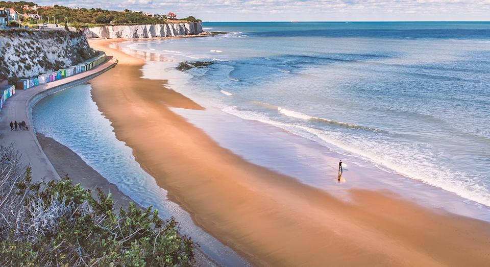 Whether you want a countryside break or seaside getaway, heres how to find the best holiday deals. (Getty Images)