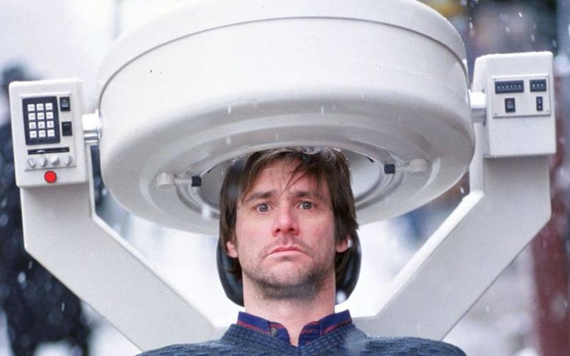 Jim Carey in Eternal Sunshine of the Spotless Mind - Momentum Pictures
