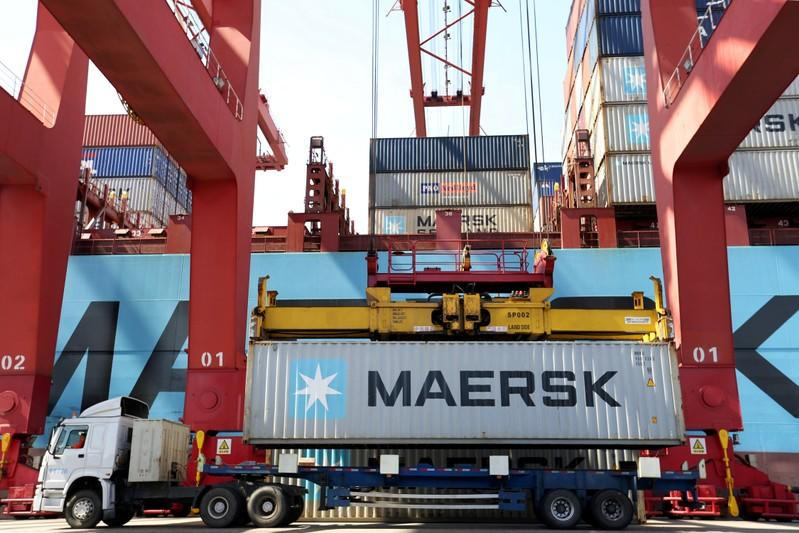 Maersk keeps down costs with uncertain container traffic outlook