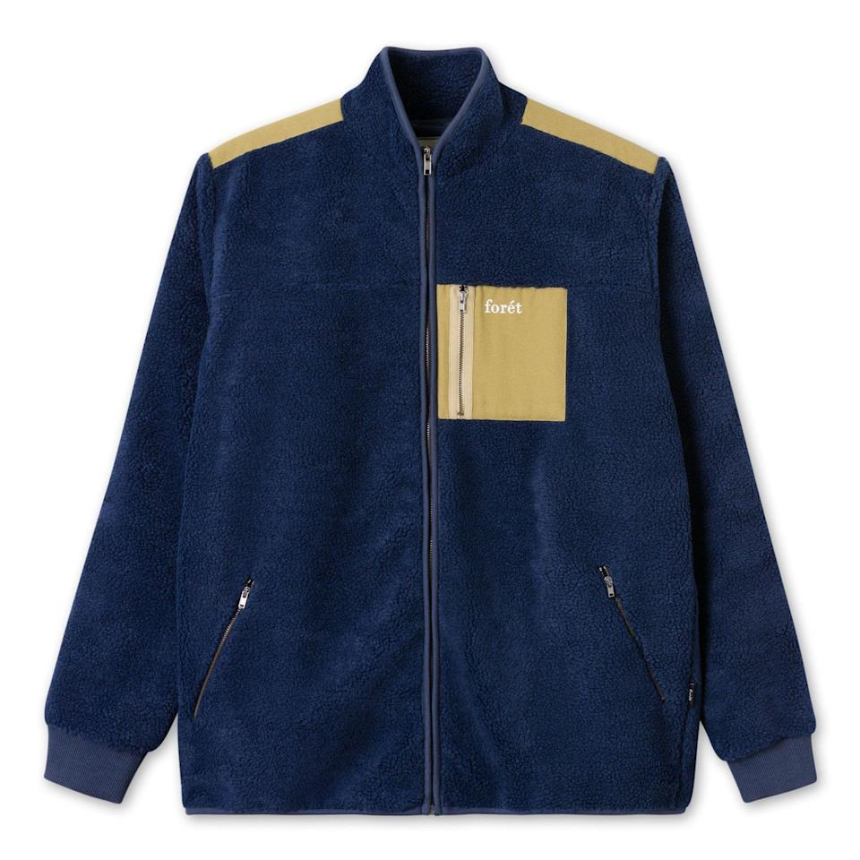 """<p><strong>Forét</strong></p><p>huckberry.com</p><p><strong>$146.98</strong></p><p><a href=""""https://go.redirectingat.com?id=74968X1596630&url=https%3A%2F%2Fhuckberry.com%2Fstore%2Fforet%2Fcategory%2Fp%2F58748-cabin-fleece-jacket&sref=https%3A%2F%2Fwww.esquire.com%2Fstyle%2Fmens-fashion%2Fg33483963%2Fhuckberry-summer-sale%2F"""" rel=""""nofollow noopener"""" target=""""_blank"""" data-ylk=""""slk:Buy"""" class=""""link rapid-noclick-resp"""">Buy</a></p><p>Man, I, for one, can't fucking wait for fall. Miss me with this summer shit. </p>"""