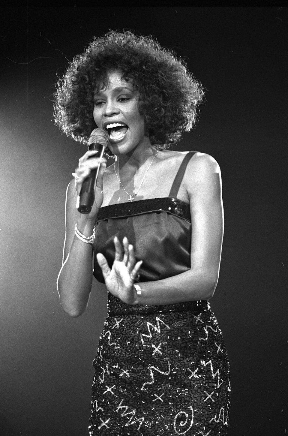 Whitney Houston performs in concert at Wembley Stadium in London May 5, 1988.   REUTERS/Peter Skingley