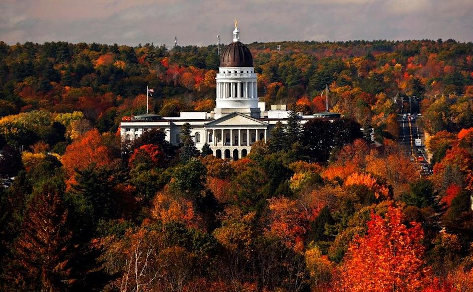Leaf Peeping Climate Change (Copyright 2017 The Associated Press. All rights reserved.)