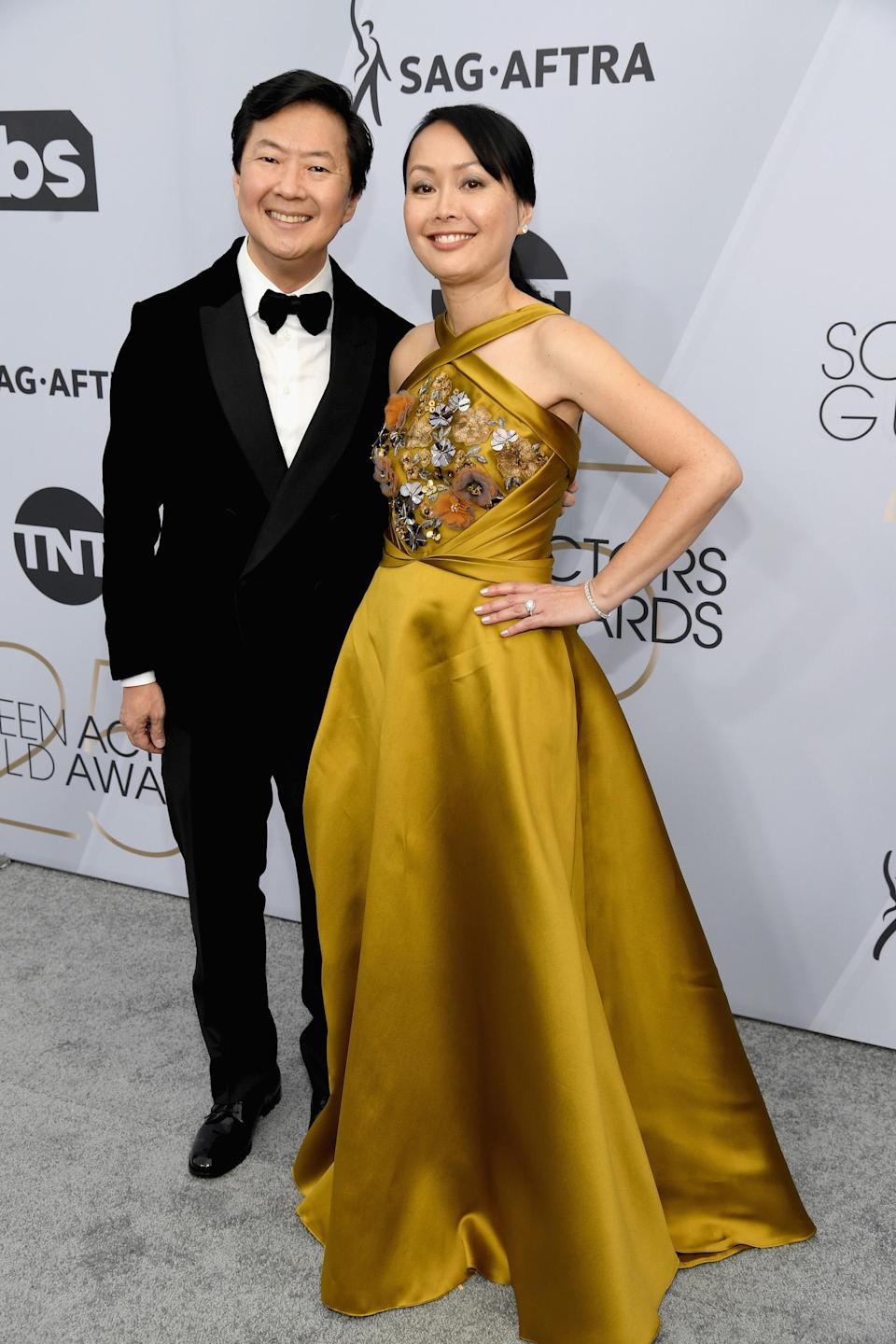 <p>Ken Jeong and Tran Jeong were elegant on the carpet at the 2019 Screen Actors Guild Awards in Los Angeles. (Photo: Getty Images) </p>