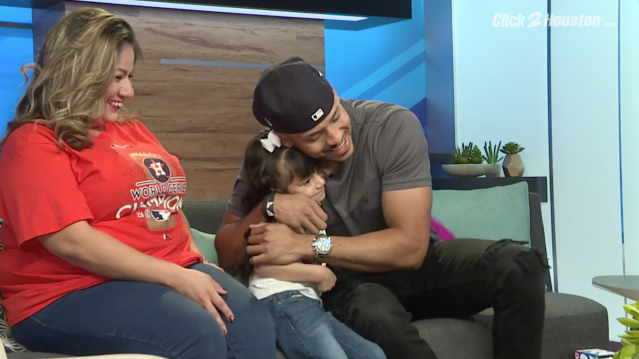 Carlos Correa and 4-year-old fan Scarlett Sanchez when they met at a Houston TV station. (KPRC)