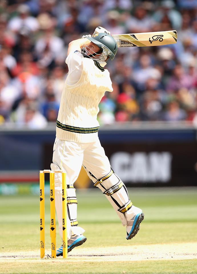 MELBOURNE, AUSTRALIA - DECEMBER 29: Chris Rogers of Australia bats during day four of the Fourth Ashes Test Match between Australia and England at Melbourne Cricket Ground on December 29, 2013 in Melbourne, Australia.  (Photo by Quinn Rooney/Getty Images)