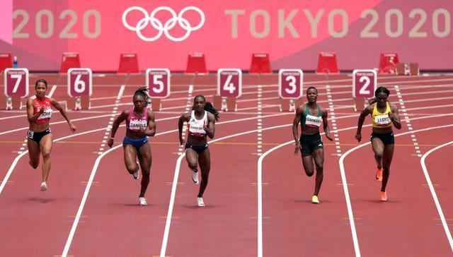 Dina Asher-Smith cruised into the next stage