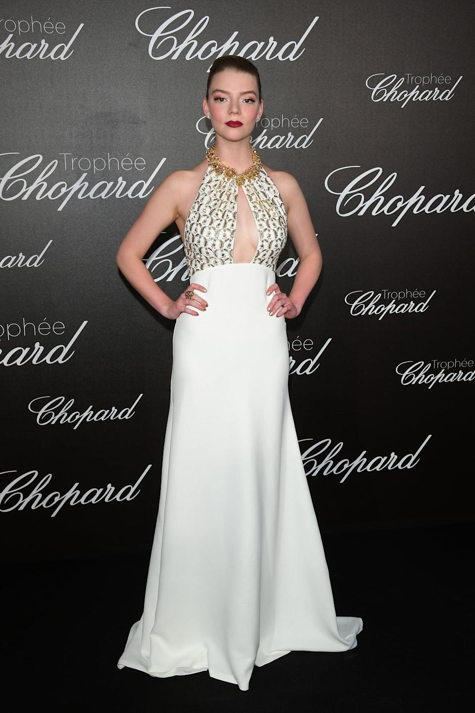<p>Anya wore a Miu Miu dress with, of course, Chopard jewellery.</p>