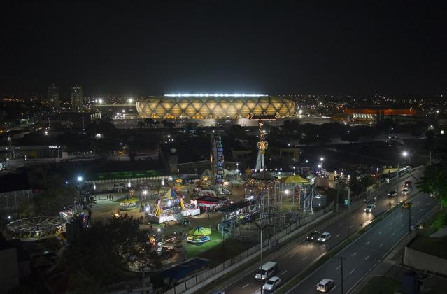 An general view of the Arena Amazonia Vivaldo Lima soccer stadium on the day it was inaugurated in Manaus, March 9, 2014. The World Cup stadium in the Amazonian city of Manaus was inaugurated Sunday with a ceremony and test match in front of a crowd of 20,000 fans. The stadium is the eighth of the 12 World Cup stadiums to be officially handed over with construction still underway in Curitiba and Sao Paulo, which will host the opening match on June 12. Rebelo sounded confident with one of the most problematic stadiums now more than 97 percent complete. REUTER/Bruno Kelly (BRAZIL - Tags: SPORT SOCCER WORLD CUP)