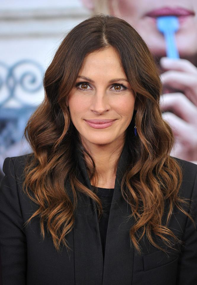 """<a href=""""http://movies.yahoo.com/movie/contributor/1800019215"""">Julia Roberts</a> at the New York City premiere of <a href=""""http://movies.yahoo.com/movie/1810105588/info"""">Eat Pray Love</a> - 08/10/2010"""