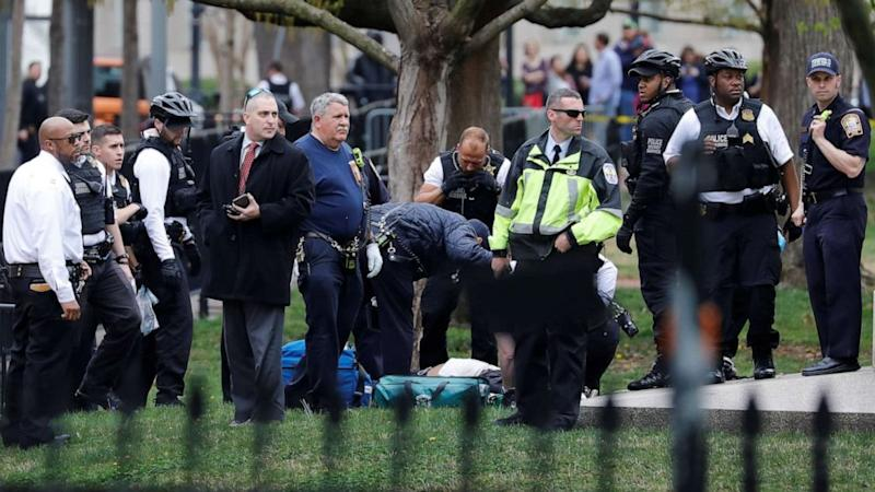 Man arrested after setting clothes on fire near White House