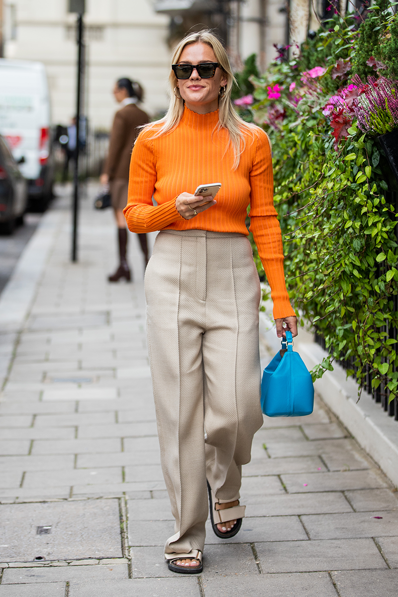 <p>Team statement-toned It-pieces (like sweaters and bags) with neutral staples.</p>