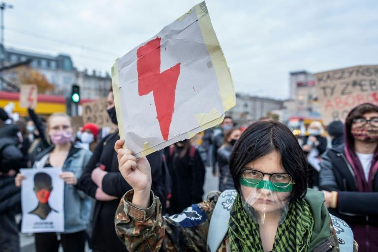 Opponents of the Polish abortion ruling argue it puts women's lives at risk by forcing them to carry unviable pregnancies