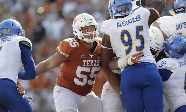 """Texas offensive lineman <a class=""""link rapid-noclick-resp"""" href=""""/ncaaf/players/252193/"""" data-ylk=""""slk:Connor Williams"""">Connor Williams</a> (55) during the second half of an NCAA college football game against San Jose State, Saturday, Sept. 9, 2017, in Austin, Texas. Texas won 56-0. (AP Photo/Eric Gay)"""