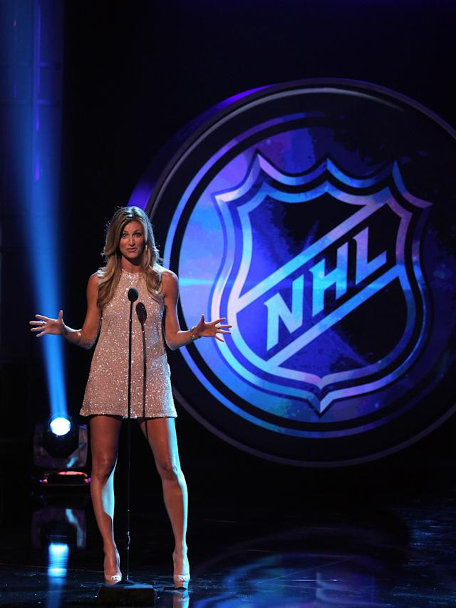 LAS VEGAS, NV - JUNE 20: TV personality Erin Andrews presents an award during the 2012 NHL Awards at the Encore Theater at the Wynn Las Vegas on June 20, 2012 in Las Vegas, Nevada. (Photo by Isaac Brekken/Getty Images)