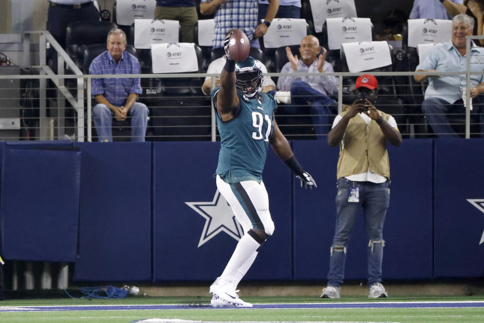 Philadelphia Eagles defensive tackle Fletcher Cox (91) celebrates after recovering a fumble for a touchdown. (AP Photo/Ron Jenkins)