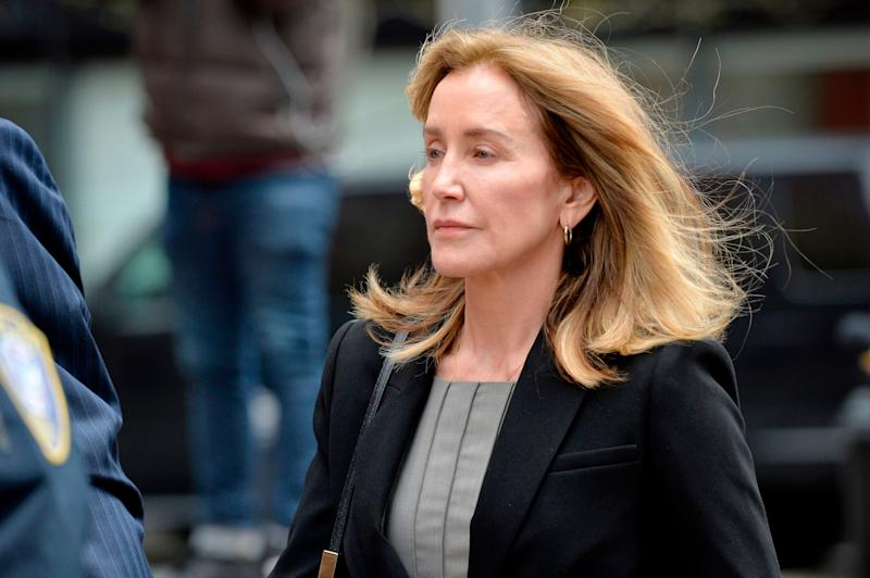 Felicity Huffman arrives at court on Monday. (Photo: Joseph Prezioso / AFP) (Photo credit should read JOSEPH PREZIOSO/AFP/Getty Images)