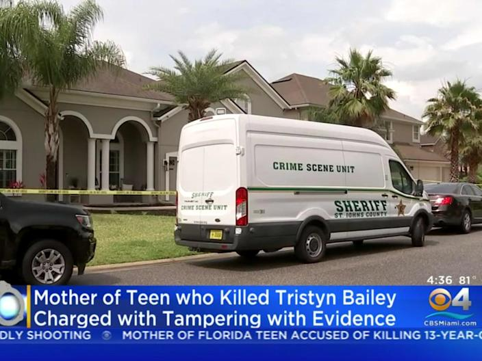 <p>Crystal Lane Smith, mother of teen accused of murdering fellow student, arrested </p> (CBS Miami/YouTube)