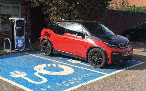 BMW i3 electric car -charging