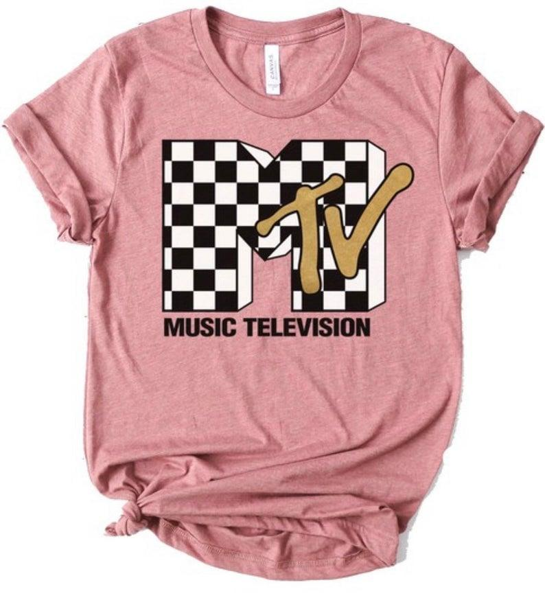 <p><span>Etsy MTV Graphic Tee </span> ($25)</p>