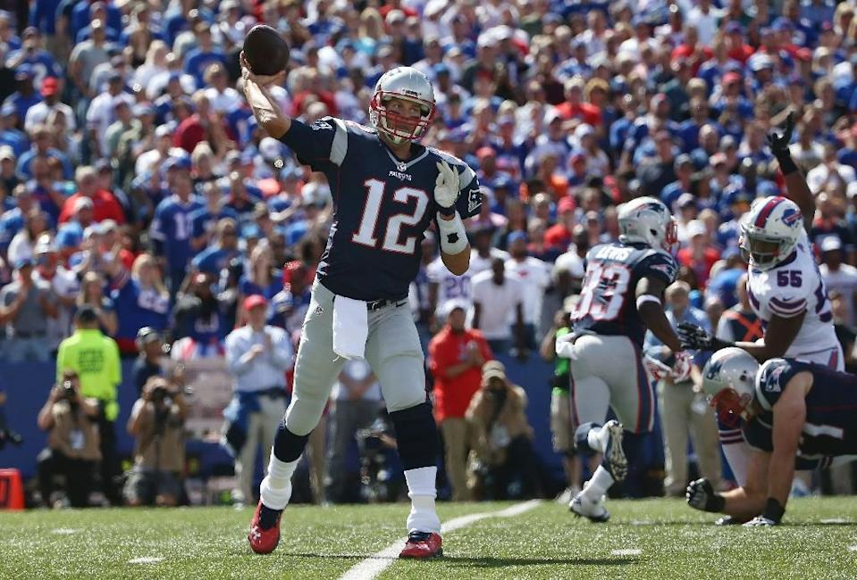 New England Patriots' Tom Brady during the game against the Buffalo Bills at Ralph Wilson Stadium on September 20, 2015 in Orchard Park, New York (AFP Photo/Tom Szczerbowski)