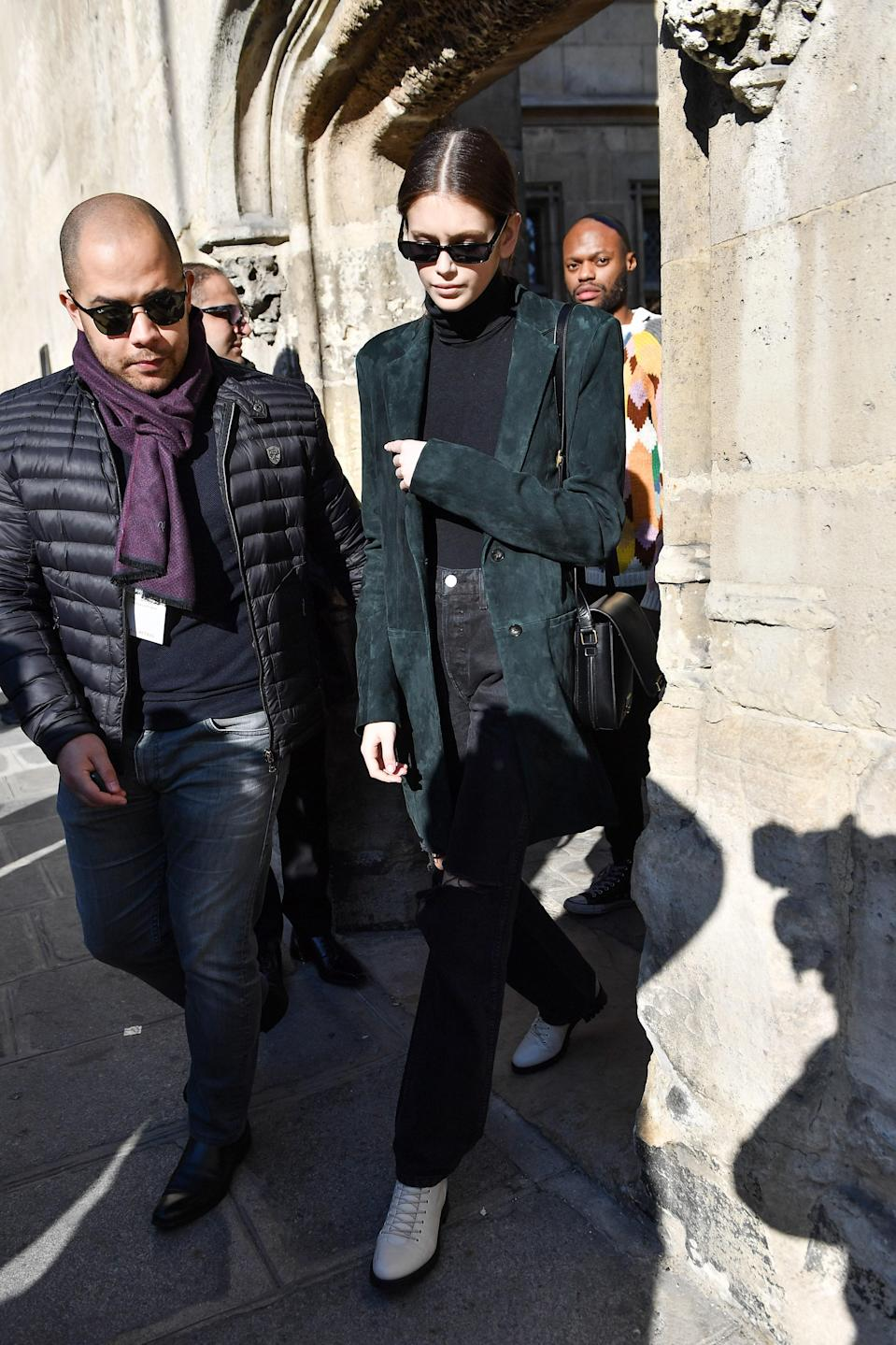 Does this jacket ring a bell? True fashion girls are outfit reapeaters.