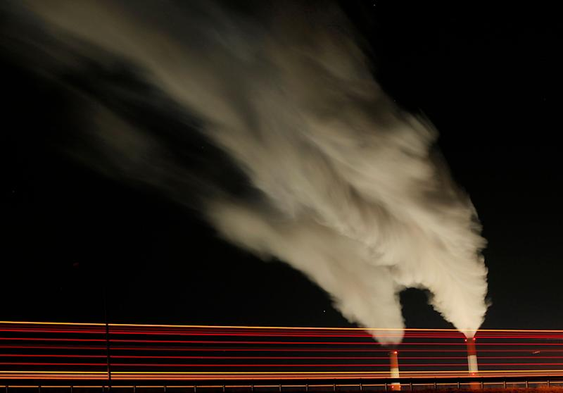 Emissions rise from the stacks of the La Cygne Generating Station coal-fired power plant in La Cygne, Kansas.  (Photo: ASSOCIATED PRESS)