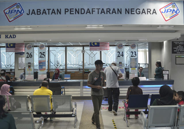 NRD denies free ICs given out to foreigners in Johor ahead