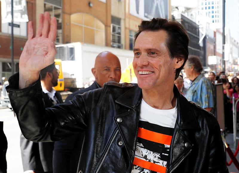 Did Jim Carrey Paint Sarah Huckabee Sanders and Call Her a 'Monstrous' Christian?